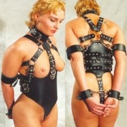 Esclavo Esclavitud - arnés mujer sumisa