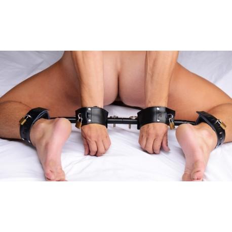 Inmovilizador de muñecas y tobillos : posición del perrito forzada
